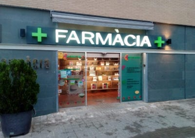 161118Farmacia CanllongSabadell_letracorporea2